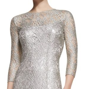 Kay Unger New York 3/4-Sleeve Scoop Neck Lace Gown